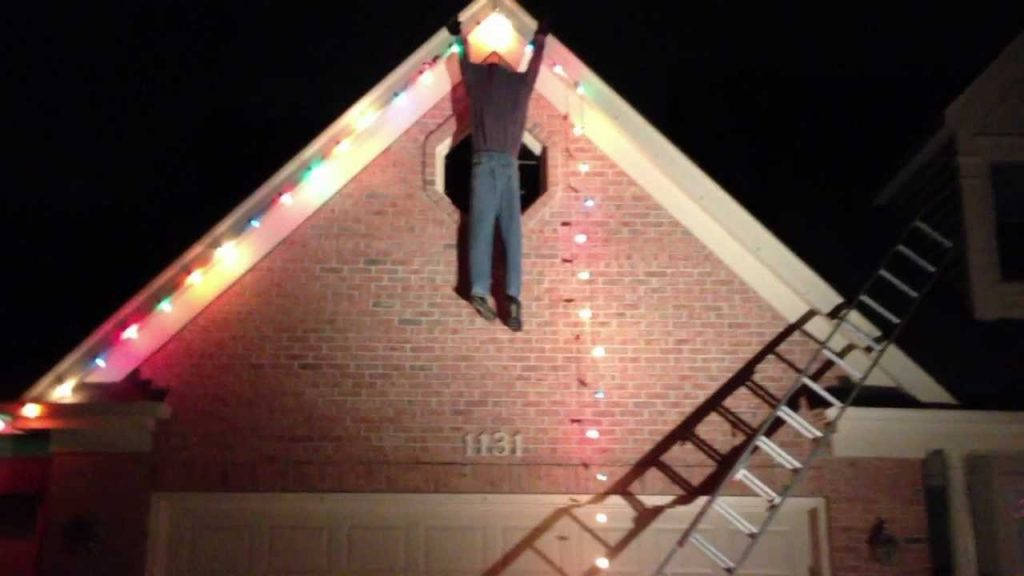 10 Best Ladder Safety Tips To Keep You Safe This Holiday